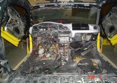 Mazda – Depenando o interior.
