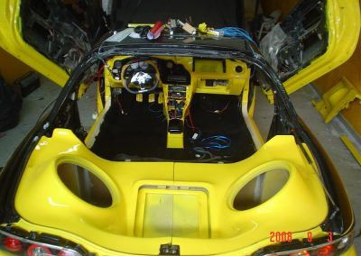 Mazda – Montando o interior.