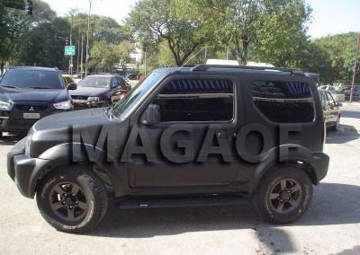Suzuki Jimny Envelopamento Preto Fosco